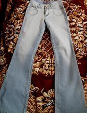 Продаю джинсы. Недорого. Хорошие,  новые!