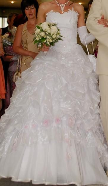 Свадебное белое платье на корсете р 42-46
